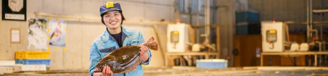 """初競りは父の魚を。福岡県初の""""女性競り人""""へ"""