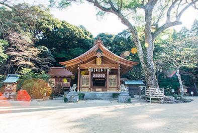 恋の神様の神社に、足湯付きオアシス!?<br />初詣に訪れたい福岡のユニーク神社
